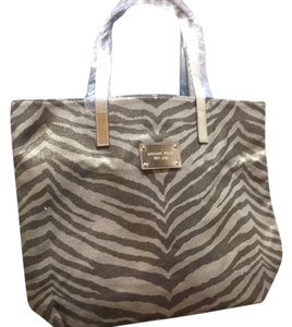 Michael Kors Tote in Gold And Brown