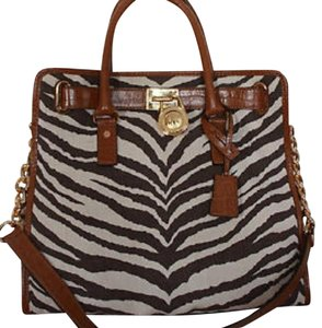 Michael Kors Tote in Black, White, Brown
