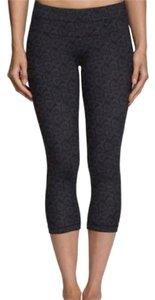 Nancy Rose Performance NWT Plank Crop Capri Leggings