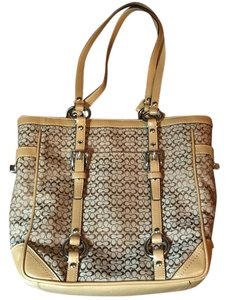 Coach Tote in Carmel/ Brown