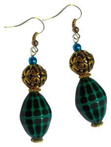 New Handmade Earrings Gold Tone Green J2964
