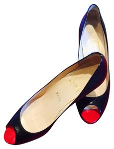 Christian Louboutin Desginer Red Soles Black Leather Pumps