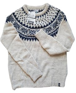Preload https://item5.tradesy.com/images/finisterre-sweater-1969084-0-2.jpg?width=400&height=650