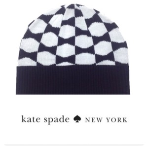 0309577388d Kate Spade Kate Spade Signature Bow Beanie in Black and White