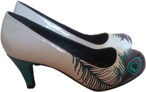 T.U.K Peacock Feather Retro White, Turquoise, purple Pumps