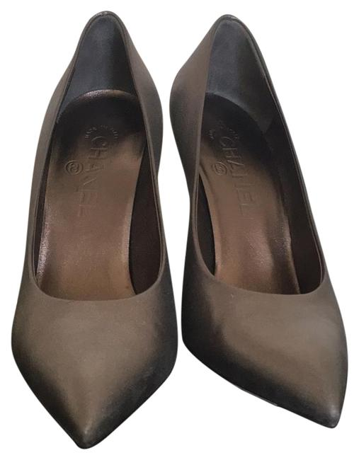 Item - Grey/Silver Snake and Pearl Detail Pumps Size US 8 Regular (M, B)