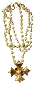 Sioux Zanne Messil Pearl statement necklace