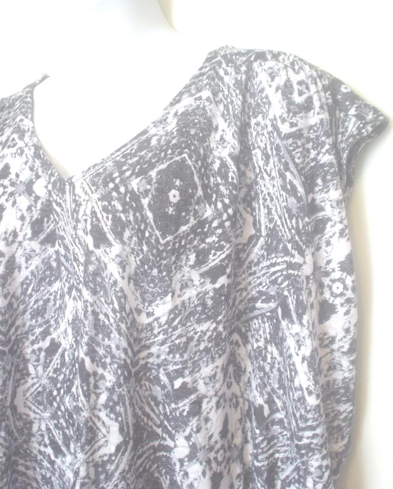 Faded Glory Blue White Gray V Neck Black Abstract Print 3x