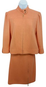St. John ST. JOHN COLLECTION CORAL KNIT SKIRT SUIT 6