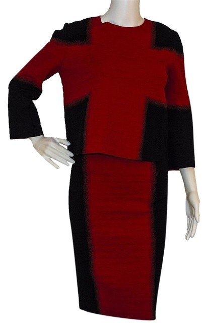 Item - Red / Black Skirt Suit Size 6 (S)