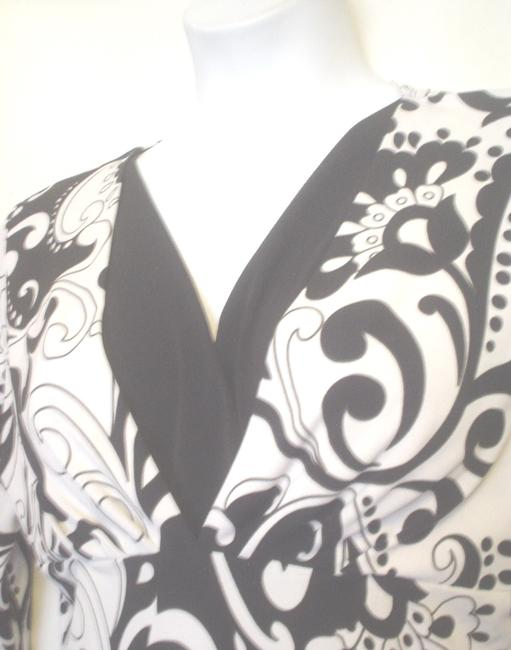 GNW Paisley Floral Mock Twin Empire Waist Top Black White Image 2