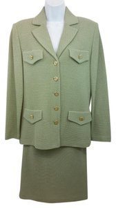 St. John NWT ST. JOHN COLLECTION SAGE GREEN KNIT SKIRT SUIT 6