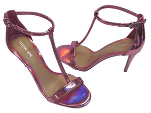 Gianni Bini Brand New Size 8.50 M Padded Footbed Excellent Condition Iridescent Pink Sandals