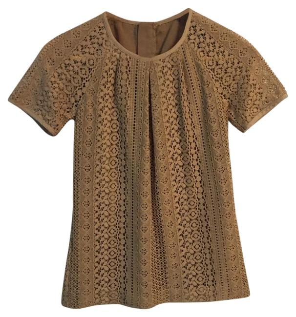 Preload https://img-static.tradesy.com/item/19695629/banana-republic-beige-s904760-00lace-tee-blouse-size-0-xs-0-1-650-650.jpg