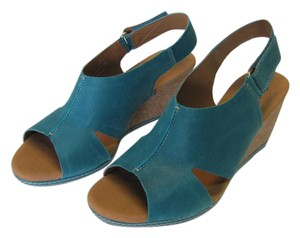 Clarks Brand New Leather Size 9.00 M Excellent Condition Aqua, Neutral Wedges