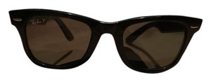 Ray-Ban Ray-ban wayfarer polarized. **shipping included in price **