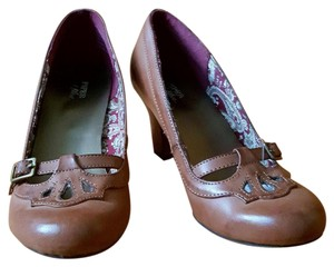 Piper & Blue Paisley Strappy Warm Brown Pumps