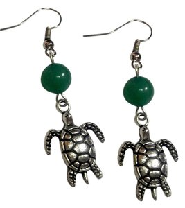 New Silver Tone Turtle Green Aventurine Earrings J2966