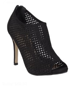 Madden Girl Heel Black Pumps