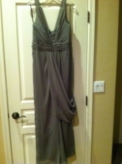 Vera Wang Graphite Grey Polyester V Neck Sleeveless Chiffon Column Formal Bridesmaid/Mob Dress Size 12 (L)