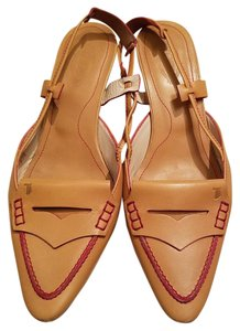 Tod's Made In Italy Kitten Heel Camel Pumps