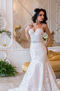 Ivory Lace Mermaid Feminine Wedding Dress Size 2 (XS)