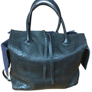 Let & Her Tote in Black/blue
