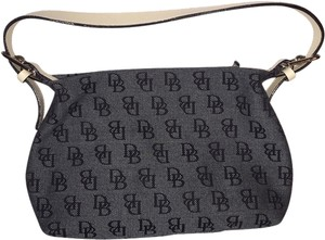 Dooney & Bourke Satchel in black/white