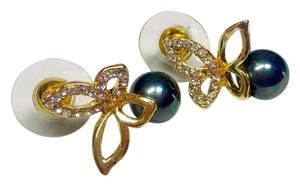 New 14K Gold Filled Pearl Butterfly Stud Earrings J2971