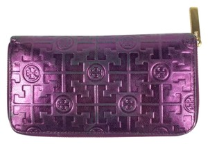 Tory Burch Metallic Logo Embossed Leather Continental Wallet