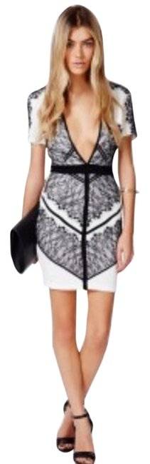 Item - White and Black Above Knee Cocktail Dress Size 8 (M)