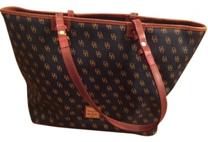 Dooney & Bourke Tote in Navy Blue