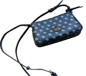 Dooney & Bourke Smallbag Sidebag Cross Body Bag