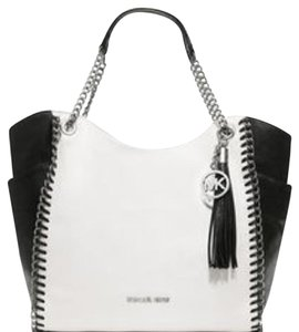 MICHAEL Michael Kors Tote in Two Tone ( Black &white)