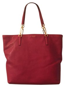 Coach Tote in Red scarlet