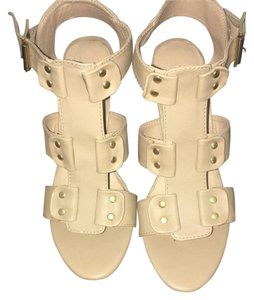 Steve Madden Beige tan Wedges