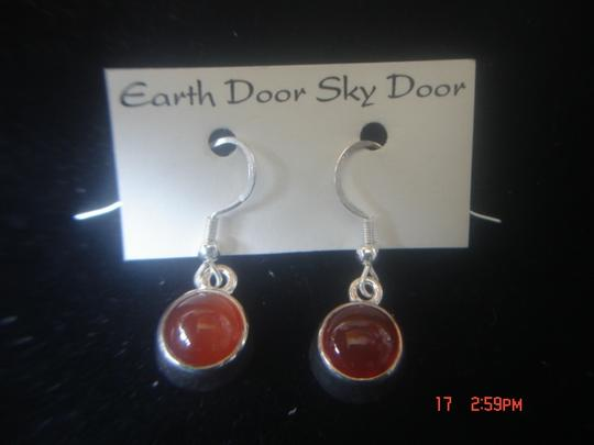 EARTH DOOR SKY DOOR EARTH DOOR SKY DOOR STERLING SILVER 925 ROUND ORANGE CARNELIAN EARRINGS NEW