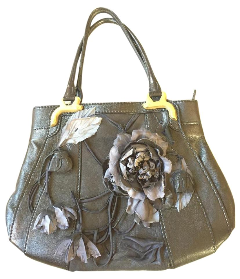 4343ee100696b Valentino Floral Black Leather Shoulder Bag - Tradesy