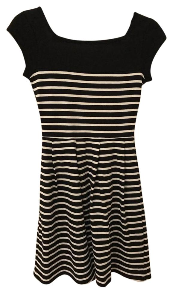 b60875adaa4 French Connection Black and White County Cotton Stripe Style 71bgi Short  Casual Dress