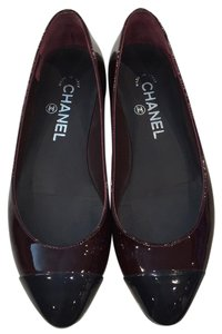 Chanel Black and merlot Flats