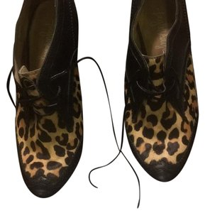 Taylor Says Black with leopard Boots
