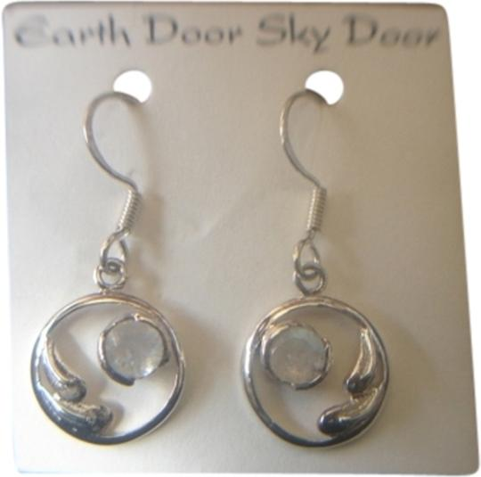 EARTH DOOR SKY DOOR EARTH DOOR SKY DOOR STERLING SILVER 925 ROUND MOONSTONE WING DESIGN EARRINGS NEW