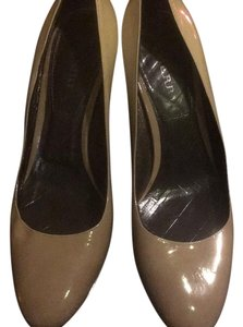 Burberry Tan/grey Pumps