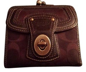 Coach Coach Legacy Turn Lock Wallet