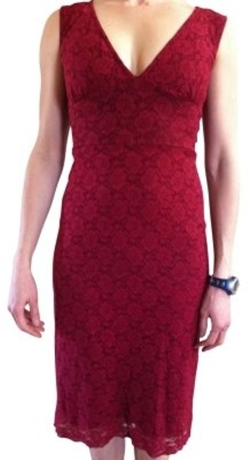 Item - Burgendy Lace Flattering Knee Length Night Out Dress Size 6 (S)
