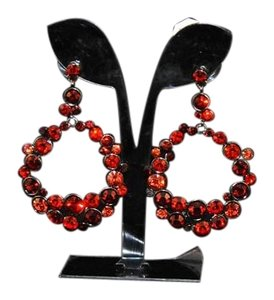 HPAC #4508 Three Colors Of Red Austrian Crystals In Front Facing Hoop Earrings