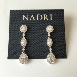 Nadri NEW NWT Silver Tone 3 Crystal Tear Drop Statement Chandelier Earrings
