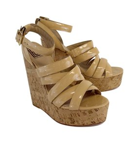 Pour La Victoire Nude Patent Leather Sandal Wedges