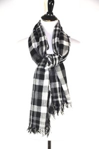 Max Mara Max Mara Weekend Black And White Wool Blend Check Scarf, Wrap