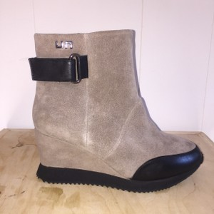 United Nude New Ash Black Boots